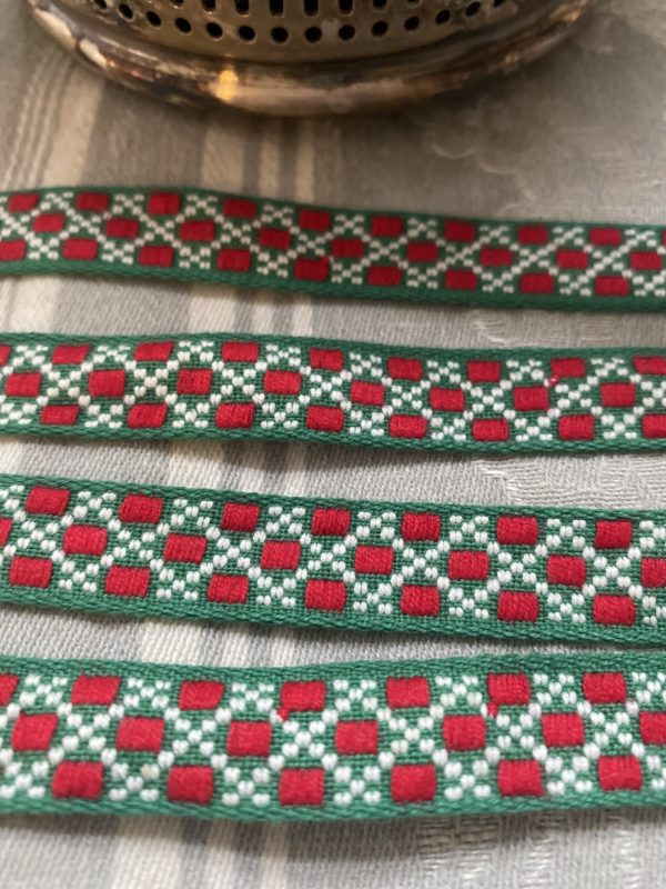 Vintage Trimming Braid Red Green and White
