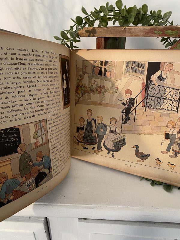 A page from Mon Village Vintage Book